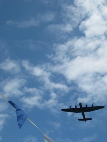 Lancaster bomber flypast chesham bois fete