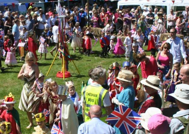 Diamond Jubilee parade chesham bois