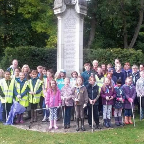 volunteers for common clearup, chesham bois