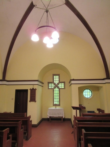 Chesham Bois Burial Ground - chapel interior