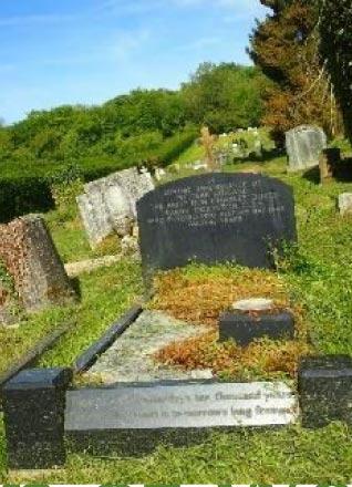 Photo of memorial to charles dukes, 1st baron dukeston at Chesham Bois Burial Ground.
